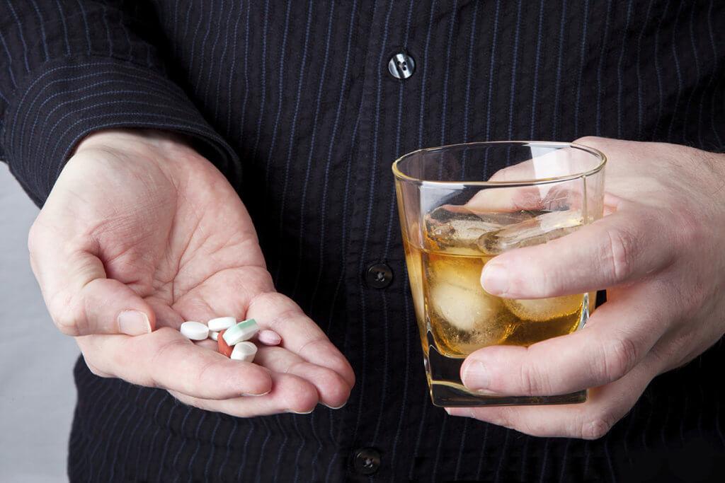 alkohol-antibiotic-tablet