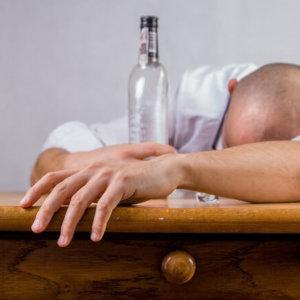 Лечение алкоголизма народным методом, без ведома пьющего